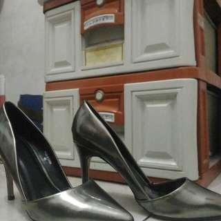 High heel The Executive Grey ( belum pernah dipakai) Jakarta area free ongkir