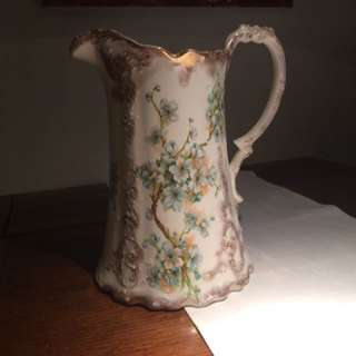 Antique water pitcher J&G Meakin