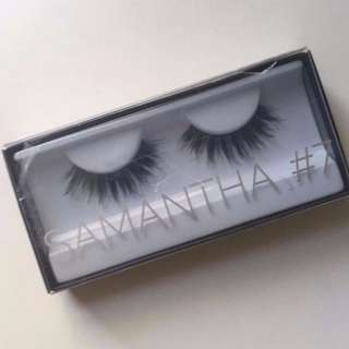 "HUDA BEAUTY Classic Lash ""Samantha"" BRAND NEW IN PACKET & AUTHENTIC (NO OFFERS)"