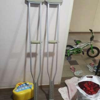 Preloved crutches