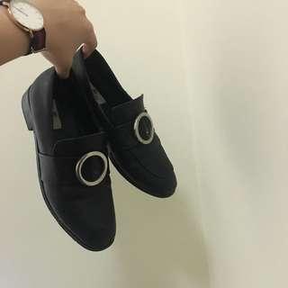 圓環皮鞋跟鞋