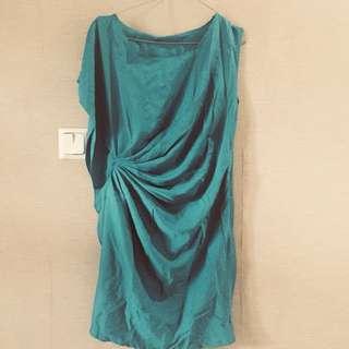 JK2 dress fit to M