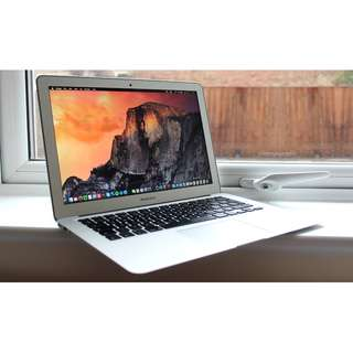 MacBook Air 11 inch (Early 2015) 1.6ghz intel core i5