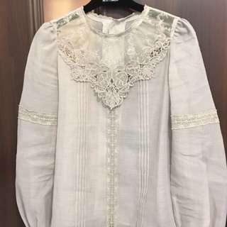 日本品牌lily Brown 灰色蕾絲上衣