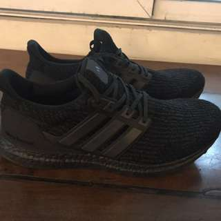 Ultraboosts Triple Black