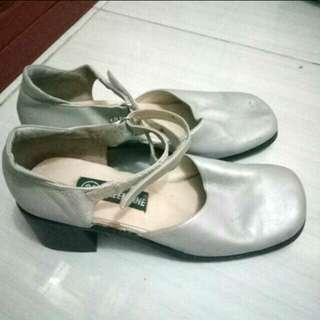 Sepatu (jual murah karna pindahan)