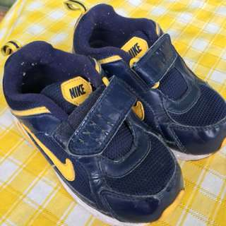 Nike rubber shoes for baby boy