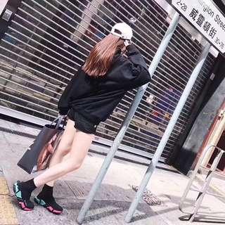 """巴黎世家,糖果夢幻系列""""襪子鞋 舒適度超乎你想象"""
