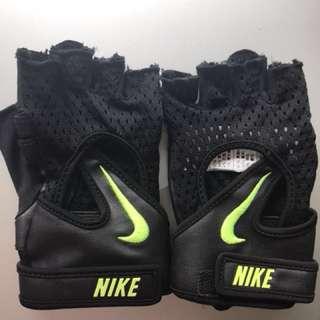 Gloves- training gloves.