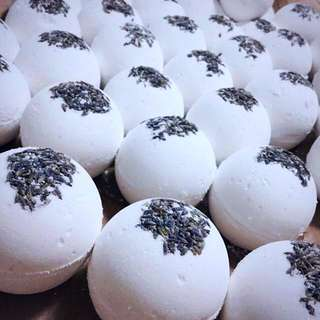 Lavender sweet dreams bath bomb