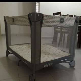 Graco playpen pack & play grey colour
