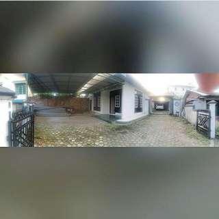 Disewakan/Dijual Rumah Beserta Kosan 7 Pintu