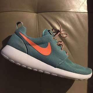 Blue Nike Roshe Run