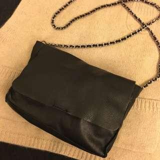 購置zara bag黑色猄皮側孭袋可斜孭 韓國Korea文青 麻棉 闊身連身裙 褲 外套 褸 袋 寬鬆