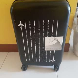 Black Luggage - Cabin size