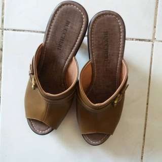 High heels buccheri