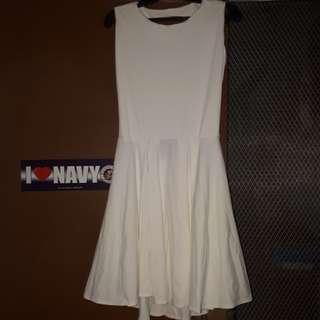 Back-less dress