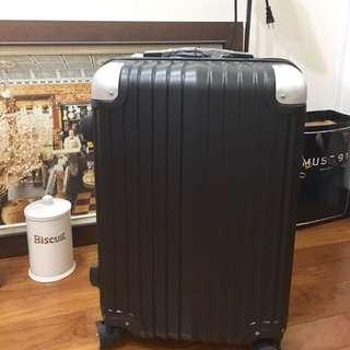 黑色行李箱22吋