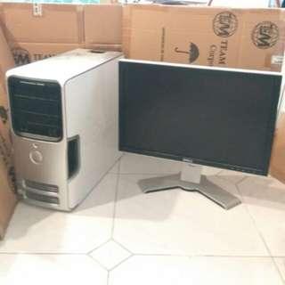 SELLING SOON Dell Desktop Monitor/PC