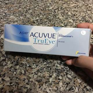 1 Day Acuvue contact lens