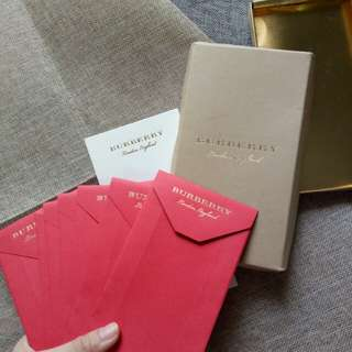 Burberry angbao (100%Authentic)