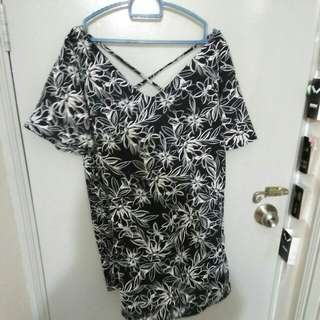 Top / dress flower black white