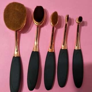 Make -up brushes ( 5pcs)