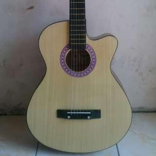 Gitar acustik natural murah berkualitas