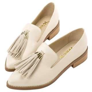 Grace gift X Wei 聯名流蘇尖頭樂福鞋