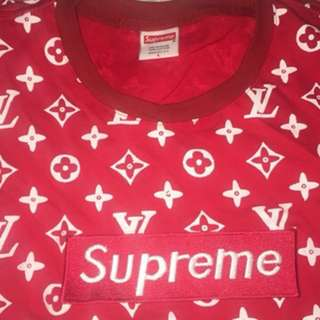 Supreme hoddie and shirts! Times 3