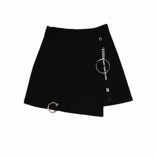 暗黑系緞帶扣環A字褲裙