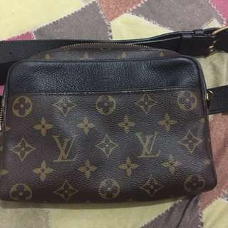 Selling Authentic LV beltbag with dustbag. No damage good as new!
