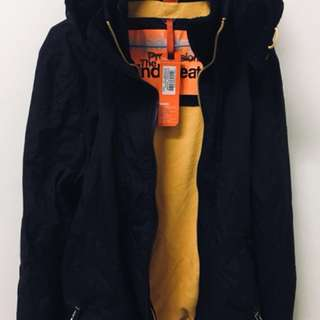 🚚 Superdry極度乾燥 防風外套 冬天必備 黑黃