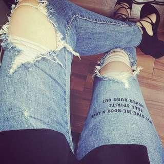 *正韓*字母刷破牛仔褲