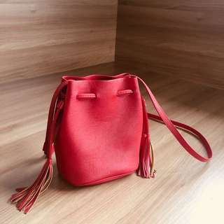 H&M red bucket bag