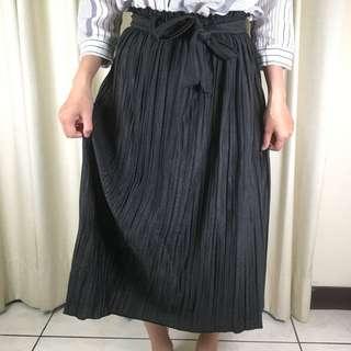 🚚 金屬光澤感綁帶百摺長裙S