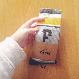 Fliter017 F字體運動襪