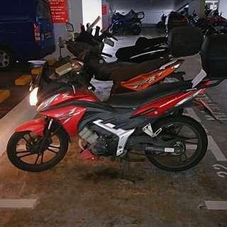 Honda cs1.    125cc.