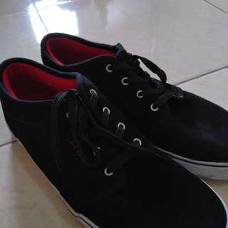 Air walk sepatu hitam original