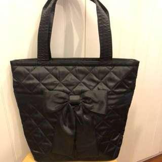 Naraya Tote Bag in Black Satin quilted
