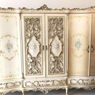古典衣櫃 10呎半 x 2 呎