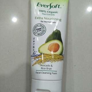 Eversoft avocado facial wash