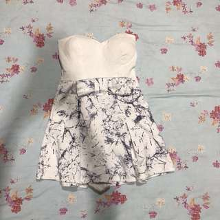 Mini dress ( celana ) white motive
