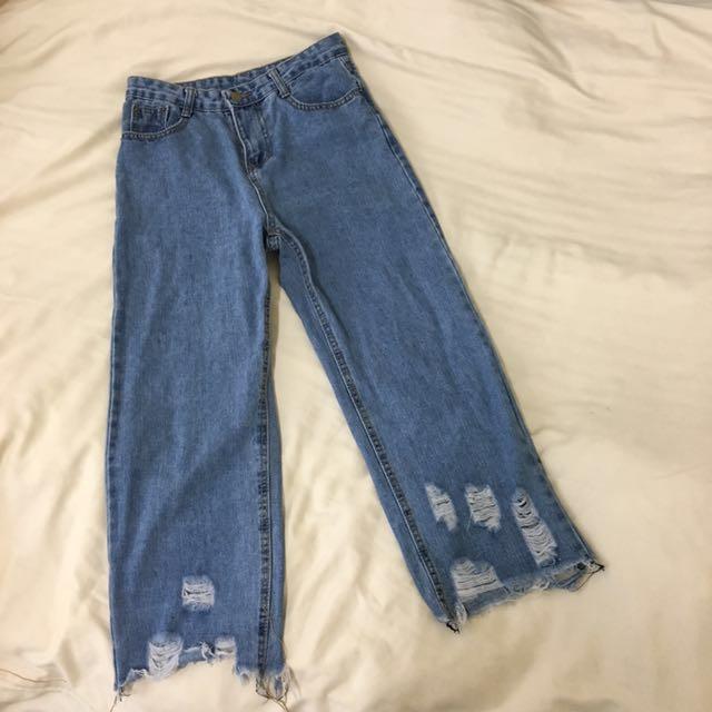 下擺破損設計牛仔褲