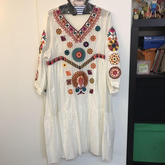 二手-波希米亞風圖騰刺繡洋裝
