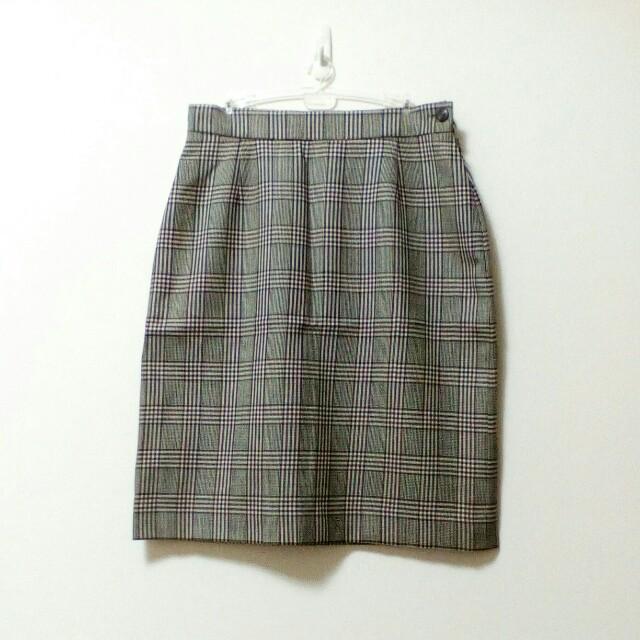 格紋及膝裙