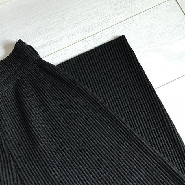 黑色百褶寬褲