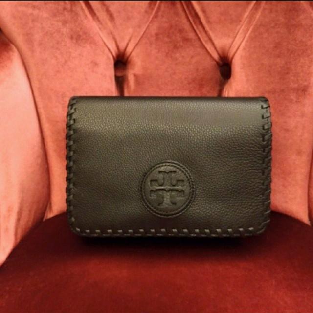 🎄🎄 聖誕節促銷95折(再含運費)熱銷款 TORY BURCH 女士編織鏈條肩背斜背包