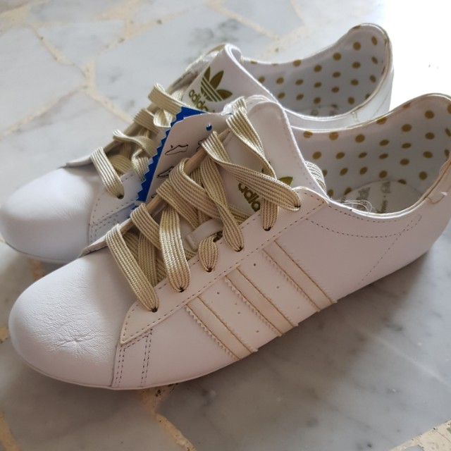 Adidas Campus DP Round W (Originals), Women s Fashion, Shoes on Carousell c22109d4aa6a