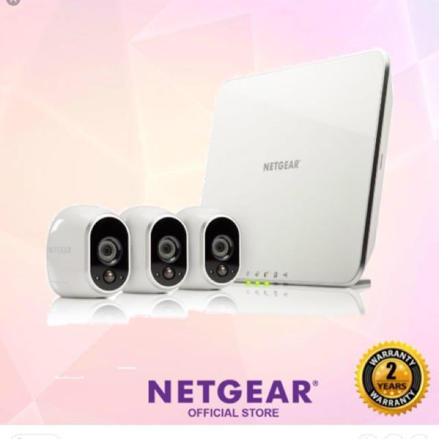 Arlo Smart Security System with 3 Arlo Cameras (VMS3330)
